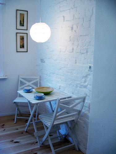http://stay-in-berlin.de/files/gimgs/13_kitchentable.jpg