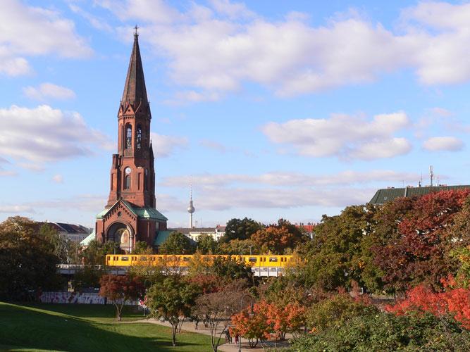 http://stay-in-berlin.de/files/gimgs/27_goerlitzer-park.jpg