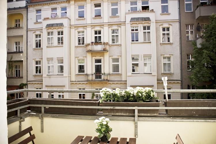 http://stay-in-berlin.de/files/gimgs/31_balkonsander01.jpg