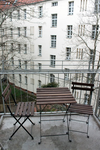 http://stay-in-berlin.de/files/gimgs/3_balcony.jpg