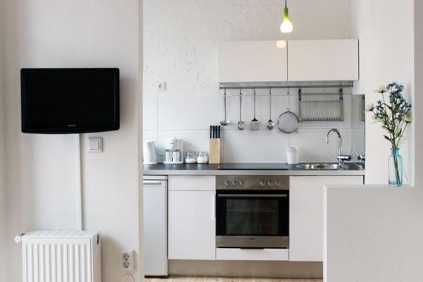 http://stay-in-berlin.de/files/gimgs/3_kitchen01.jpg