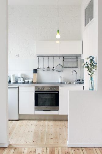 http://stay-in-berlin.de/files/gimgs/3_kitchen02.jpg