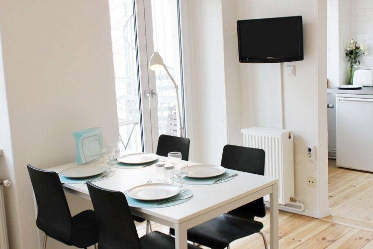 http://stay-in-berlin.de/files/gimgs/3_table01.jpg